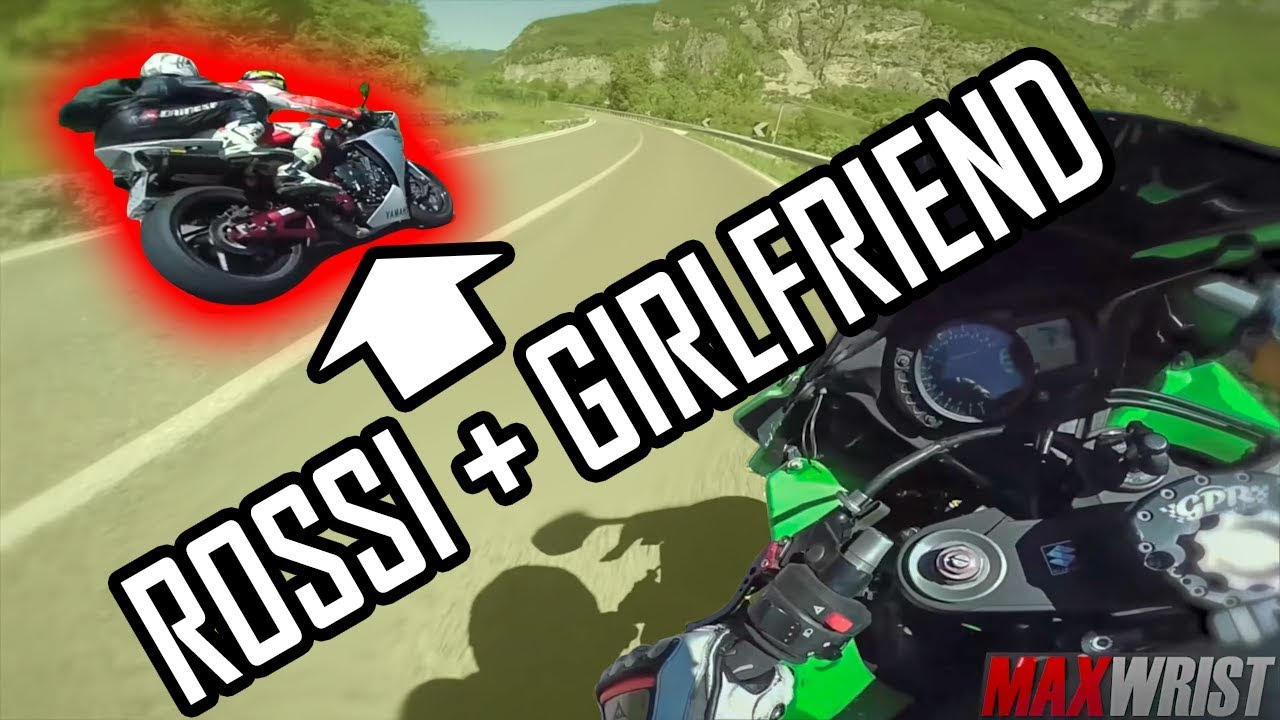 Download Racing Valentino ROSSI and his GIRLFRIEND!