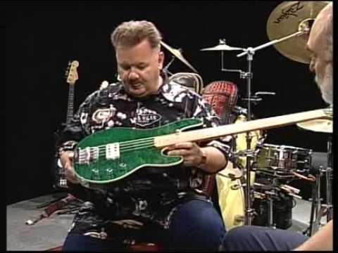 Ernie Ball Music Man Bass Guitar collector - Making Music