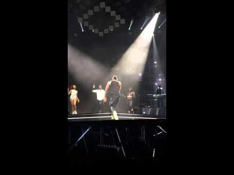 Usher - Good Kisser (Part 2) [Philly - 11/11/12]