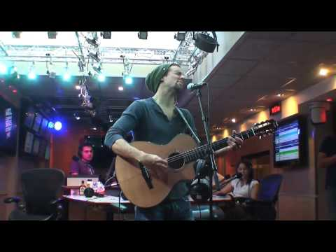 "Jason Mraz sings ""Lucky"" at LESI, NRJ, France and ...forgot his lyrics ...lol"