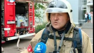 Челнинские огнеборцы тушили пожар в институте