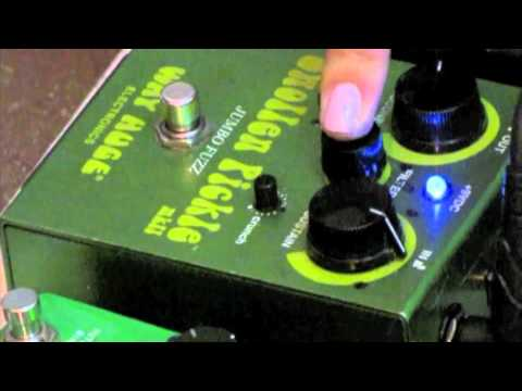 guitar pedal demo swollen pickle jumbo fuzz pedal youtube. Black Bedroom Furniture Sets. Home Design Ideas