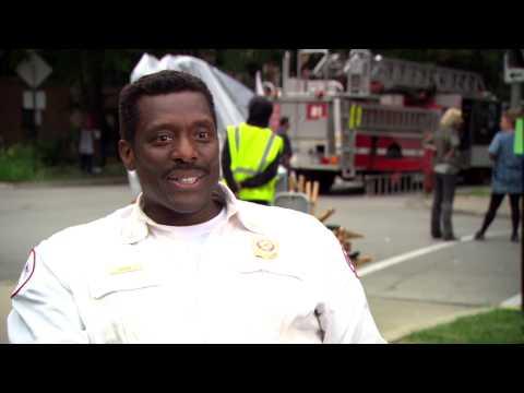 Chicago Fire Season 2: Eamonn Walker On Set