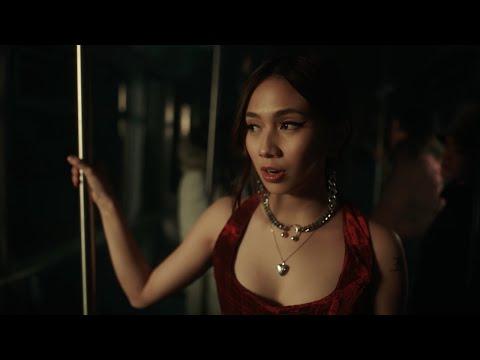 NIKI - La La Lost You (Official Video)