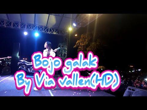 Via Vallen - Bojo galak ~Live alun-alun Kidul Yogyakarta~ (HD)