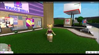 WELCOME TO BLOXBURG | TACO BELL & 7-11 | ROBLOX