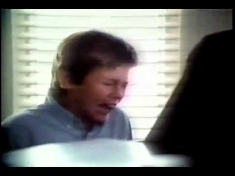 "River Phoenix's Emotional Performance In ""Surviving: A Family In Crisis (1985)"""