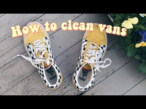 How to clean vans shoes//attempting to clean my vans