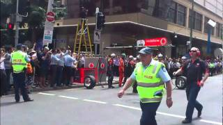 Jamie Whincup Driving in Brisbane Mall V8 TeamVodafone HIGH QUALITY
