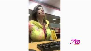 Bhabhi Hot tite Dress boob show.