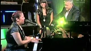 Laritza Bacallao canta