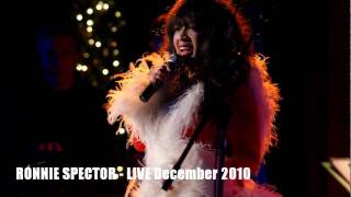 Ronnie Spector - Best Christmas Ever (Live, December 2010)