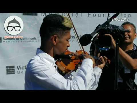 Violinista Wuilly Arteaga participa en evento #VíctimasDelComunismo