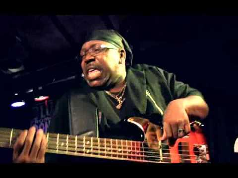 MIKE WHEELER BAND & LARRY WILLIAMS BASS SOLO, DONGEN 2015