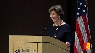 Enthusiastic crowd welcomes former first lady