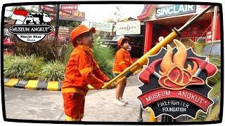 Anak Kecil Naik Mobil Pemadam Kebakaran Di Museum Angkut   Kids Costume Fireman Sam Fire Truck