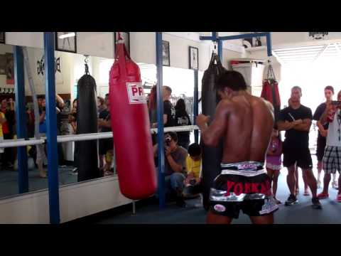 Muay Thai Redondo Beach | Buakaw at Boxing Works | 310-371-1500