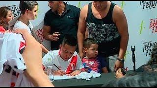 Christian Cueva: presencia del volante peruano provocó cierre de tienda