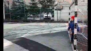 Закатали в асфальт! Вместо безопасного тартанового покрытия детскую площадку в Ростове-на-Дону