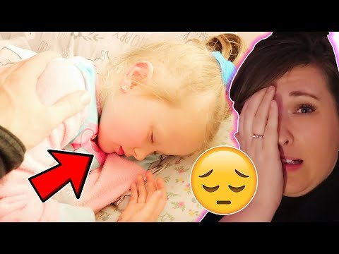 WE HAVE A POORLY 5 YEAR OLD! VLOGMAS DAY 15!