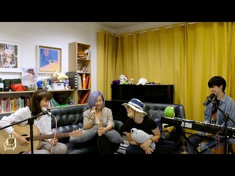 Fymme Bongkot: Blue Sofa Session, ช่วยบอกให้ชัด Feat. Earth, Mariahmu, Napak - วันที่ 14 Mar 2019