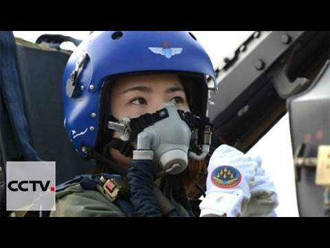 China Air Force: Top female fighter pilot dies in crash