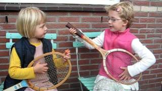 de zingende zusjes (deel2), the swinging sisters (part 2)