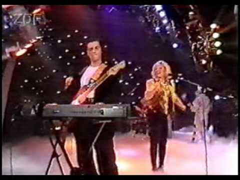 Mike oldfield anita hegerland innocent live germany 1989 youtube altavistaventures Image collections