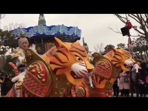 Hefei Wanda Theme Park parade. Wanda City park vs Shanghai Disney park gets real
