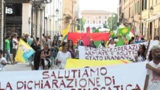 Manifestazione kurda, stop bombardamenti