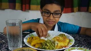 Kids Eating Show With Sound | Eating Beef Curry, Cat Fish Curry, Fry papaya, Egg Yolks With Rice