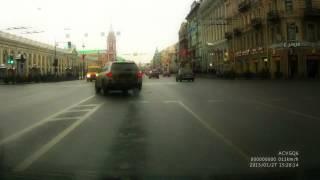 Есть ли нарушение ? Запрещающий сигнал светофора.