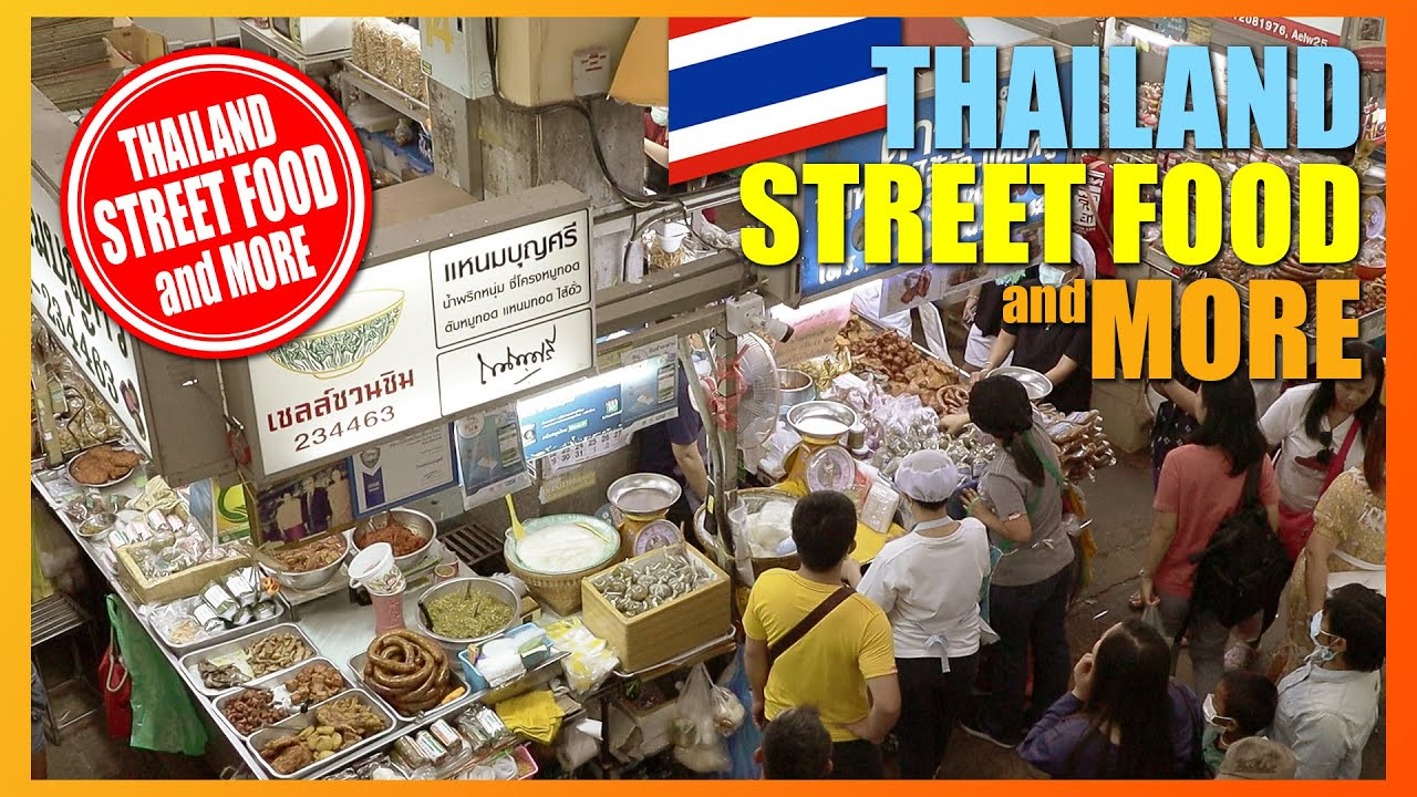 Thai Street Food at Warorot Market (ตลาดวโรรส) in Chiang Mai. Thailand.