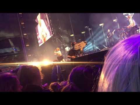 MØ - Turn My Heart To Stone [Live Melbourne 30th November 2017]