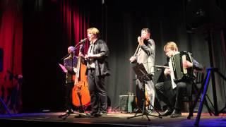 Tauben vergiften im Park - Karsten Troyke & Trio Scho