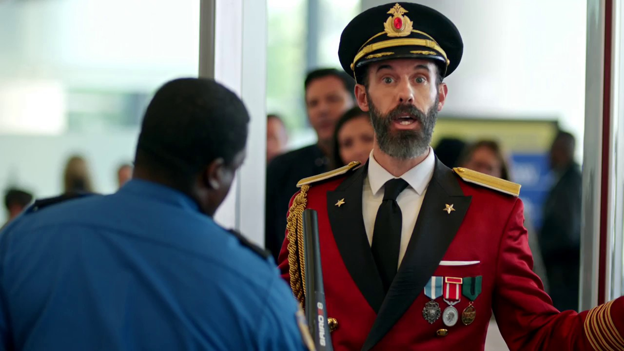 hotels com commercial captain obvious at the airport 30 youtube