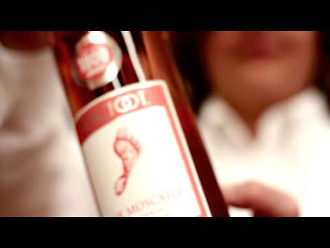 SJHYVEE TV: Wine of the Month - Barefoot Pink Moscato1