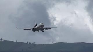 Beautiful Landing LUFTHANSA MD-11 In Mariscal Sucre Airport / Quito - Ecuador