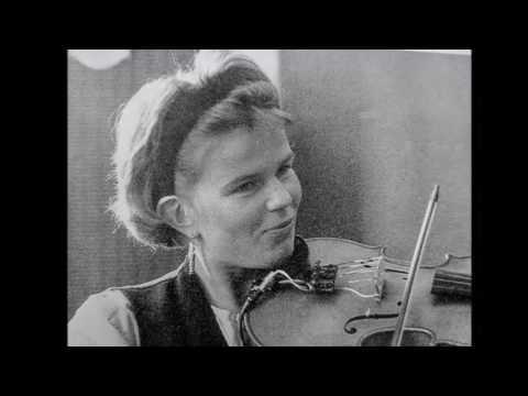 """Minna Saarinen & Aarni Varjonen Jugend LIVE 1989 """"Piirrä Paperilla Ruusutarhaa"""""""