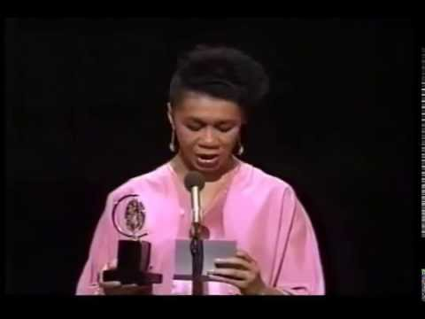 Mary Alice wins 1987 Tony Award for Best Featured Actress in a Play