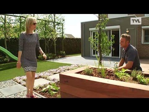 Kleine tuin wordt buitenbeleving youtube for Kleine achtertuin inrichten