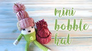 Just a quick tutorial on how to make a little mini bobble hat from yarn! perfect to hang as a decoration or to add to my little elf crochet pattern: ...