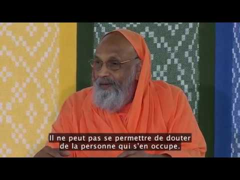 Sri Swami Dayananda Sarasvati : Le profond voyage de la compassion (English I French)