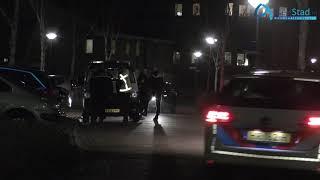 Arrestatieteam doet inval in woning in Assen