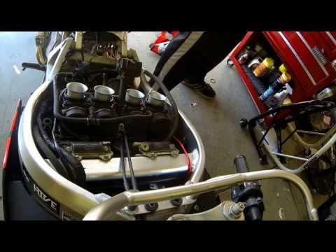 99 Honda CBR 900rr carburetor removal and airfuel