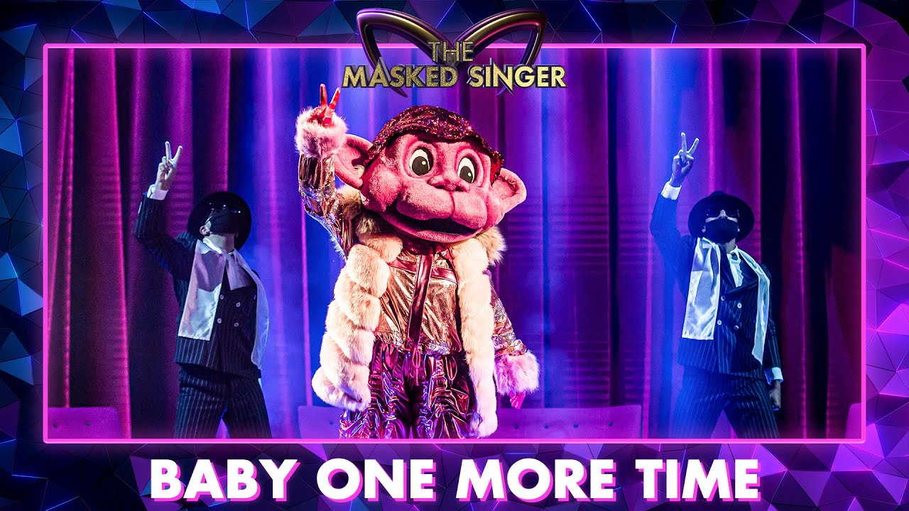 Aap - 'Baby One More Time'   The Masked Singer   VTM - YouTube