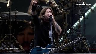 Foo Fighters faz homenagem à Malcolm Young  (AC DC)