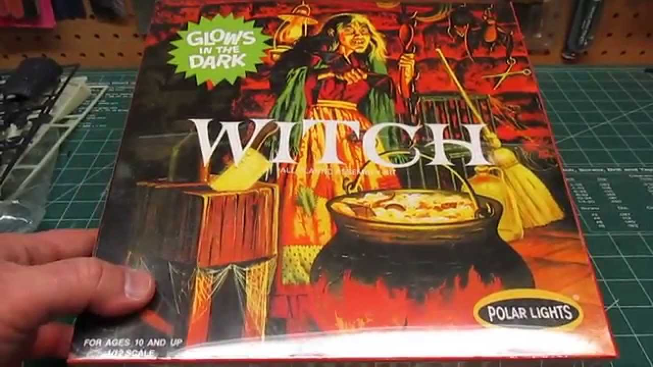 Polar Lights 1/12 Witch Figure Vintage Model Kit Review