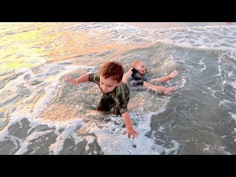 Twins Attacked By Ocean | Myrtle Beach Vacation