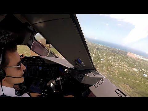 Boeing 787-8 - Visual in Santo Domingo - cockpit view